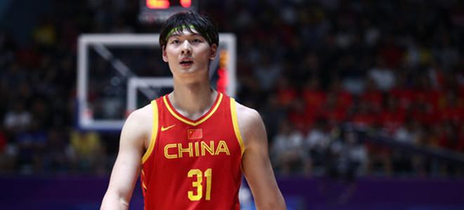 体育媒体. 王哲林发布 360度扣篮视频:打扰了, 轻喷