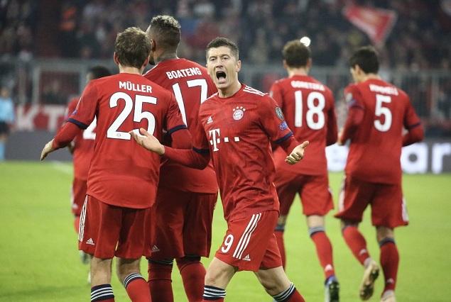 欧冠:莱万梅开二度, 拜仁 2-  0双杀雅典 AEK