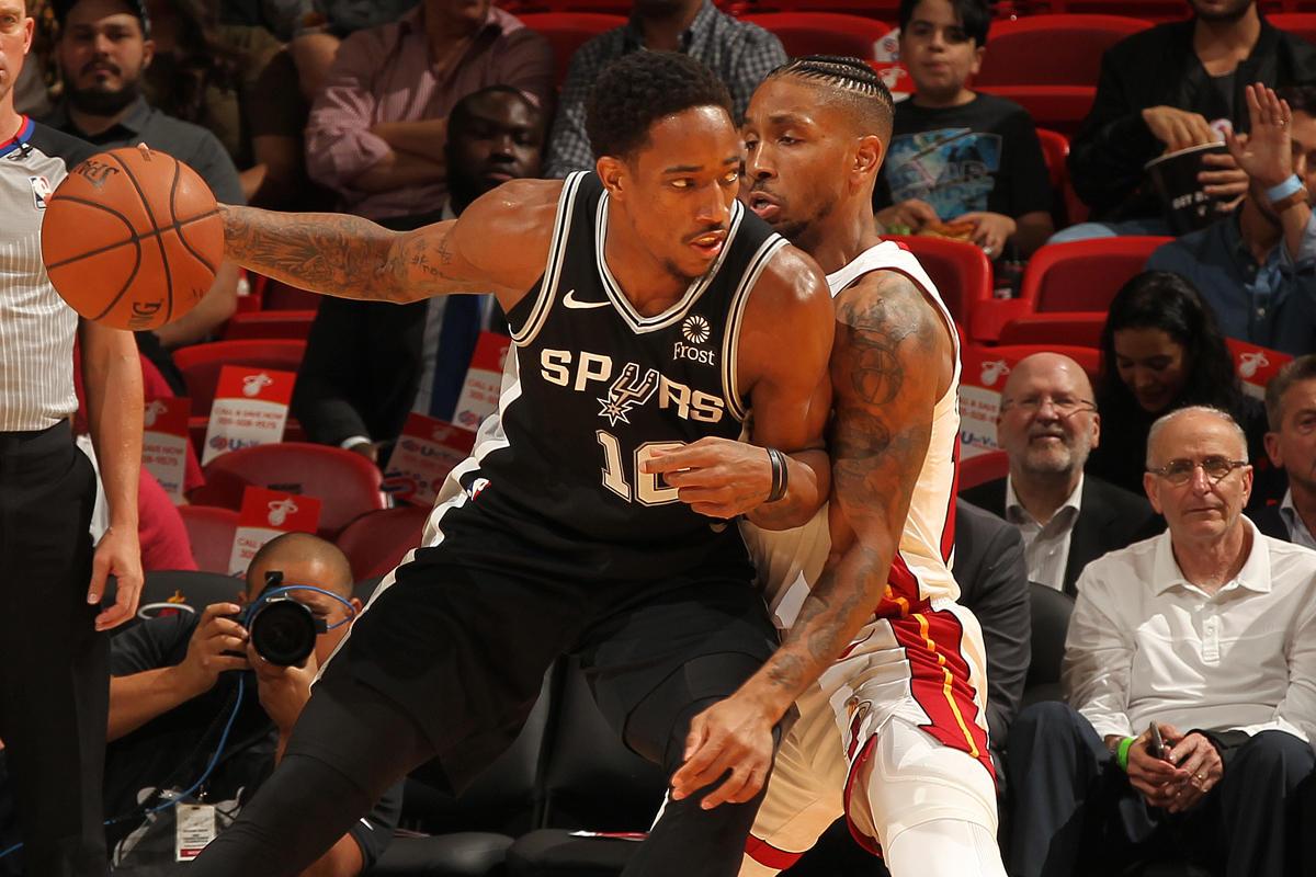 德罗赞14篮板刷新个人常规赛生涯单场篮板数纪录