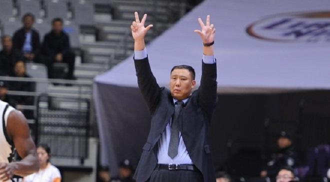 腾讯国际足球. 王晗:强调限制对手反击和外线投篮, 队员进攻很果断