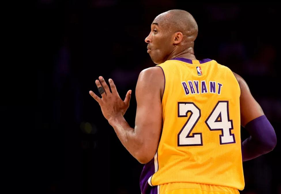 三年前的今天:科比发长文《酷喜欢的篮球》宣布退伍时间