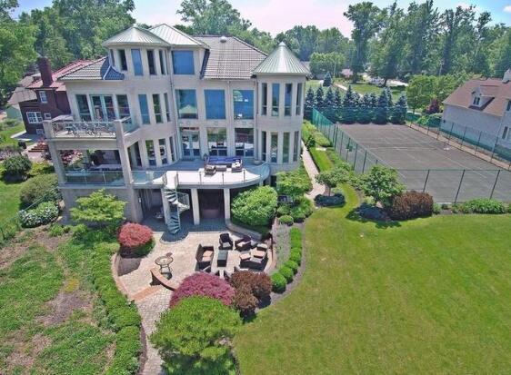 泰伦-卢挂牌出售其俄亥俄州豪宅
