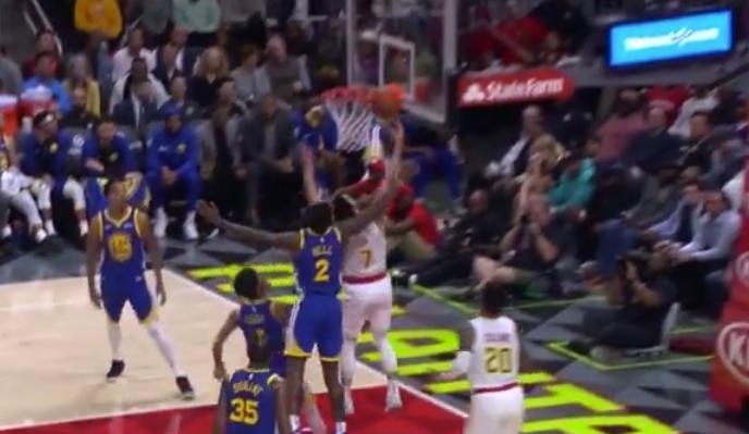 [视频]林书豪突破打三分,随后抢断逆击一条龙上篮