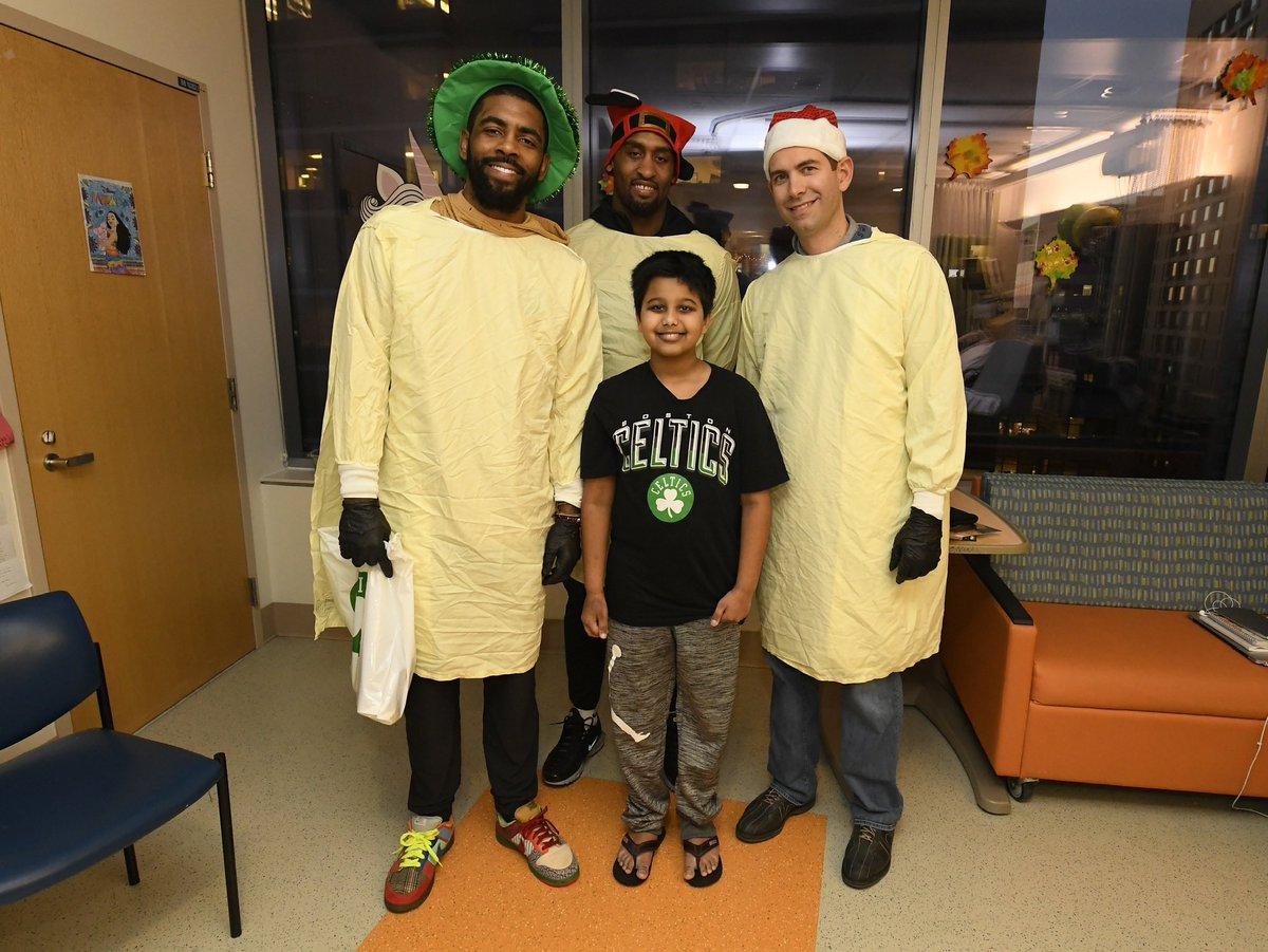 忙里偷闲!凯尔特人全队探访波士顿儿童医院