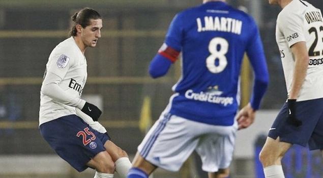 姆巴佩造点卡瓦尼点射扳平,巴黎客场1-1斯特拉斯堡