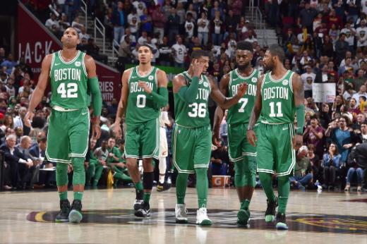 绿军以前8场比赛6场得分超过120,上赛季仅5次