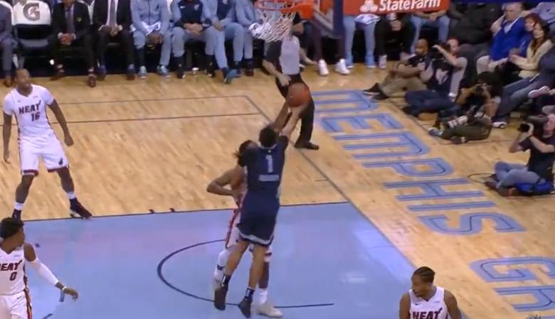 [视频]节奏稀奇!凯尔-安德森抢断逆击一条龙上篮