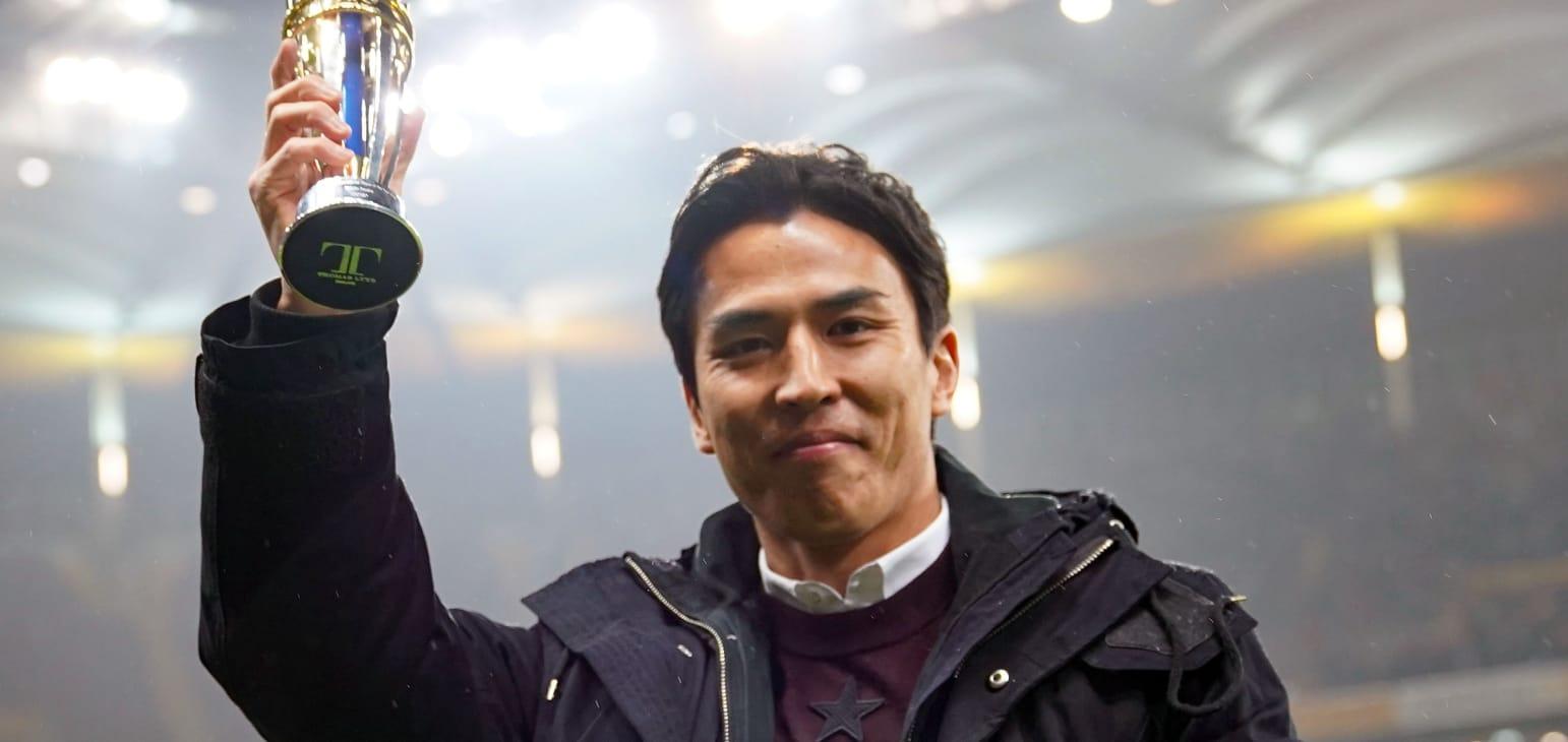 长谷部诚领取亚足联最佳海外球员奖,并与法兰克福续约