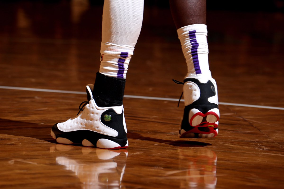 今日上脚球鞋一览:史蒂芬森上脚AJ13