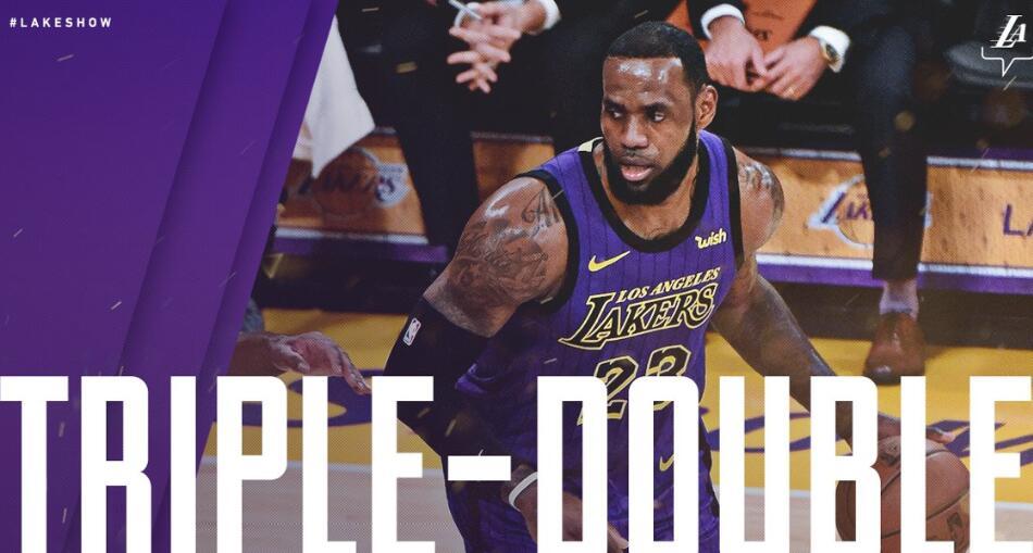 邓超篮球赛. 砍下个人职业生涯常规赛第 76次三双