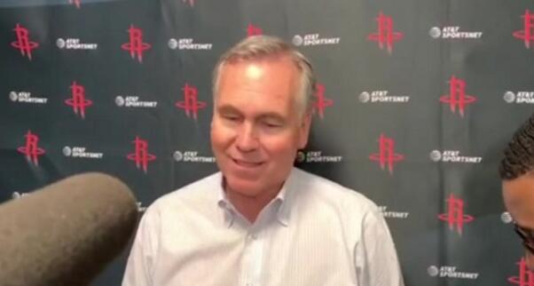德安东尼:戈登膝盖有些疼痛,看看治疗后情况如何