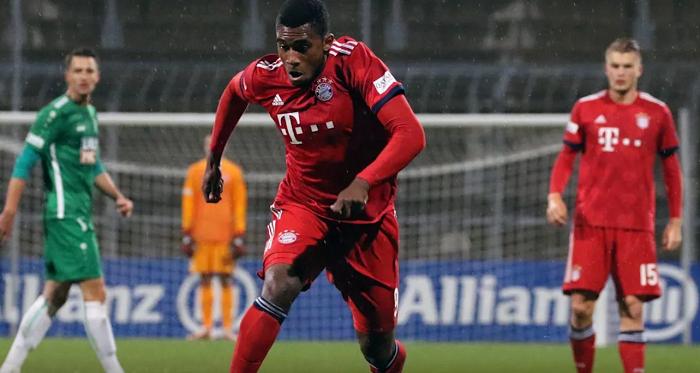 官方:拜仁慕尼黑小将埃维纳租借加盟基尔