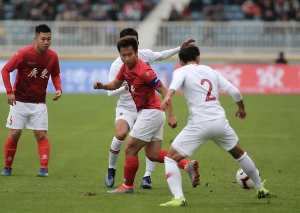 省港杯首回合:卢琳传射,广东2-1香港