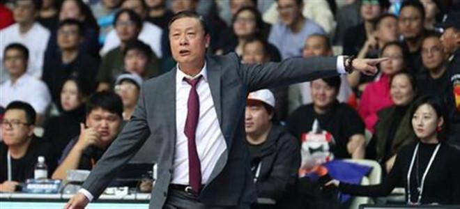 李秋平:球队陷入困难期,要想办法熬过去