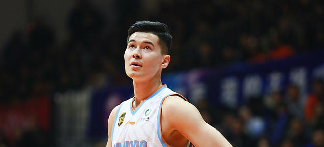 阿不都:重点是让广东降速和保证篮板