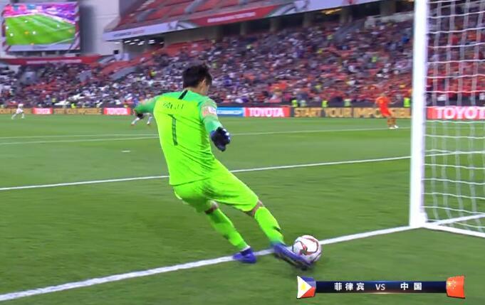GIF:有点悬,颜骏凌门前停球失误送对方角球
