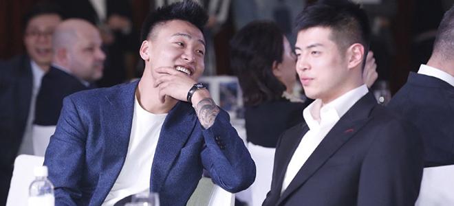 赵睿含情脉脉注视方硕:王哲林,你看出来咋回事没?
