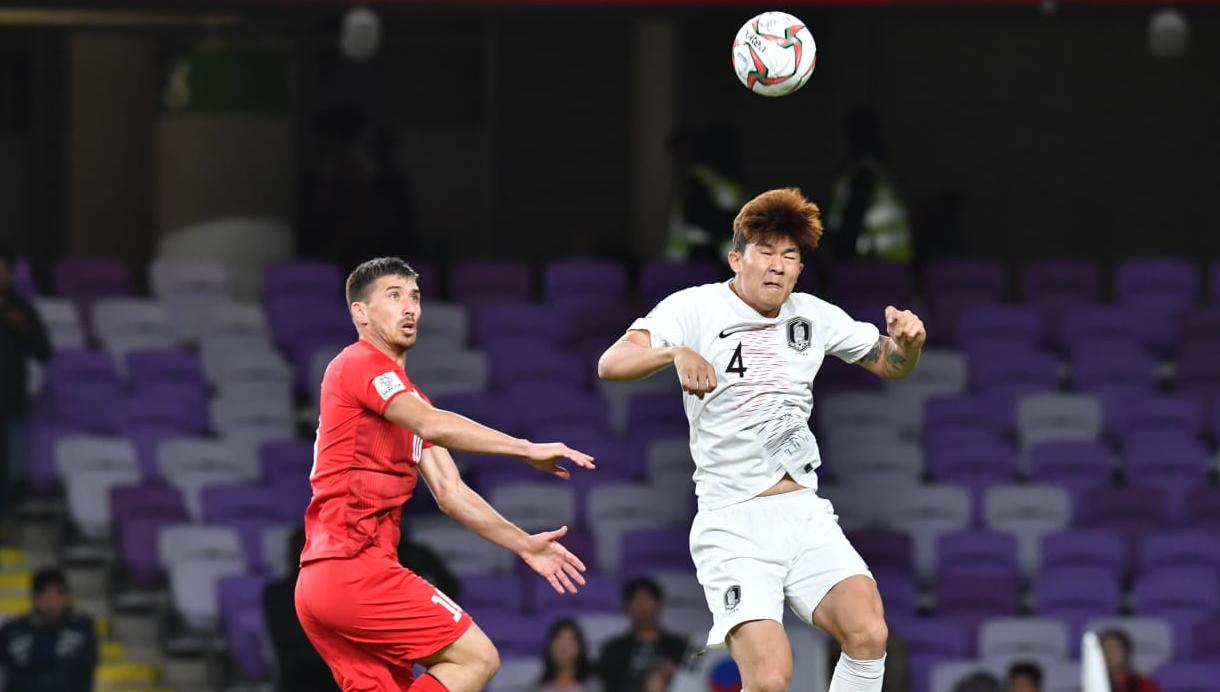 亚洲杯:金玟哉建功黄喜灿空门中框,韩国1-0获胜出线