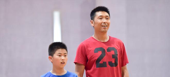 胡雪峰遭江苏众将吐槽:打球总找女篮,来怼男篮啊
