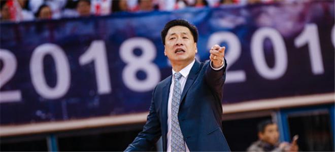 李春江:要继续保持赢球的势头
