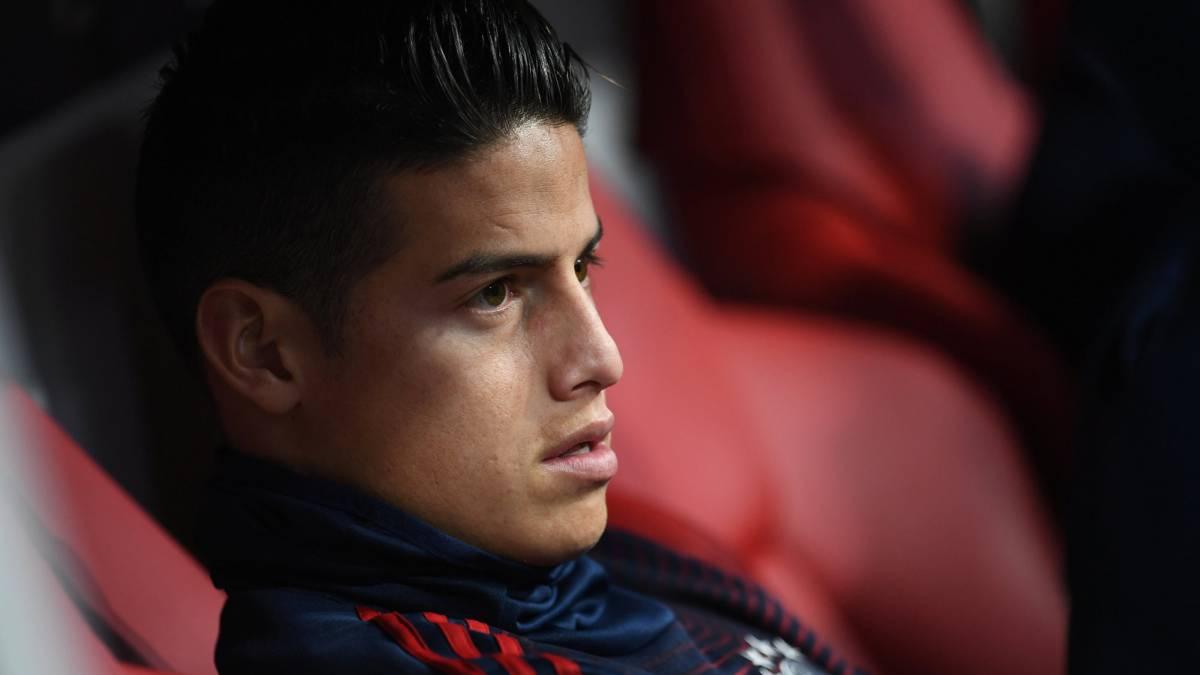 踢球者:J罗缺席今日拜仁训练,原因还不清楚