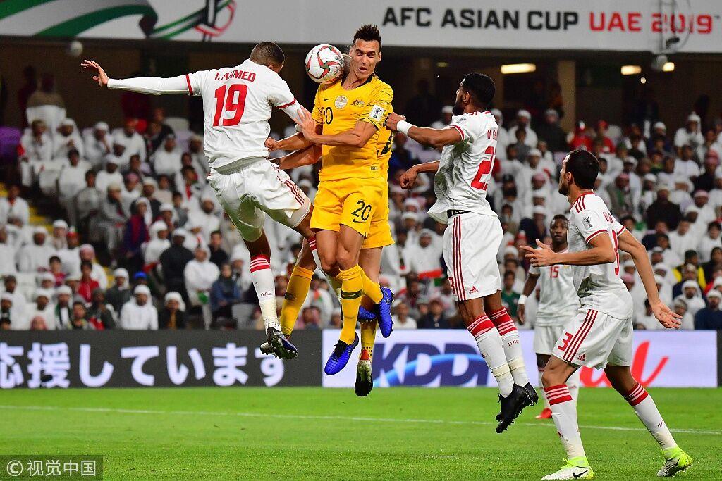 亚洲杯:迪基尼克送礼马布胡特笑纳,阿联酋1-0澳大利亚