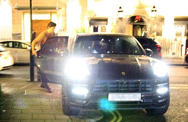 场上场下都不让人省心, 马科斯- 阿隆索被拍到违章停车