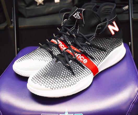 伦纳德首代签名鞋OMN1S全貌,你喜欢吗?