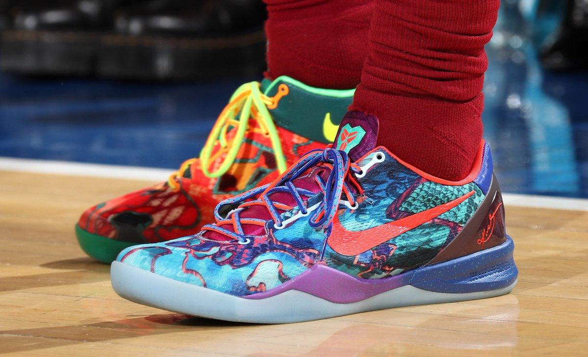 今日常规赛上脚球鞋一览:克拉克森上脚Kobe 8