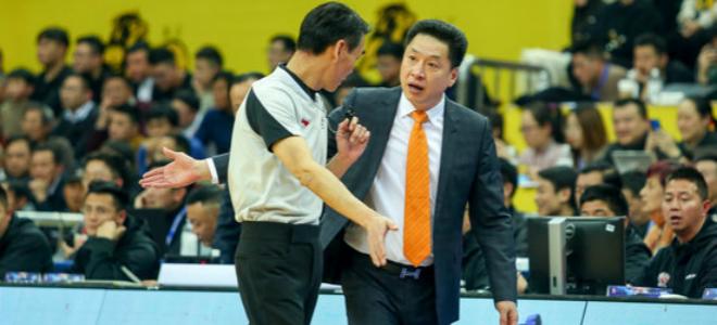 李春江:篮板保护不好导致失利,想打团队篮球