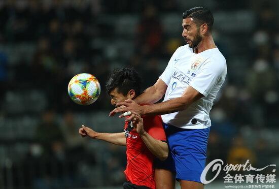 半场:佩莱头球破门刘彬彬助攻,庆南0-1鲁能