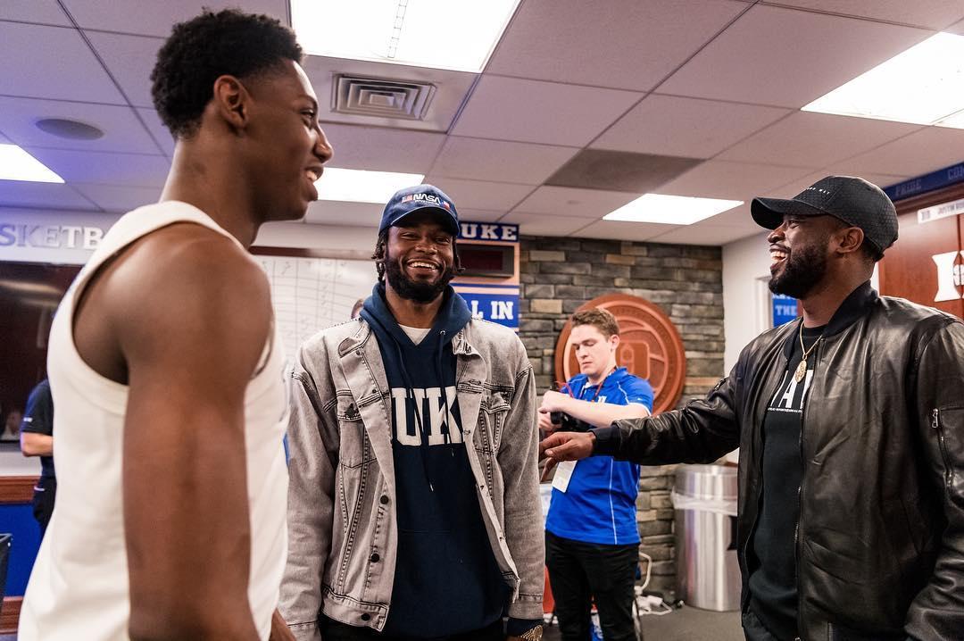 韦德造访杜克大学更衣室:和下一代球员在一起总是很开心