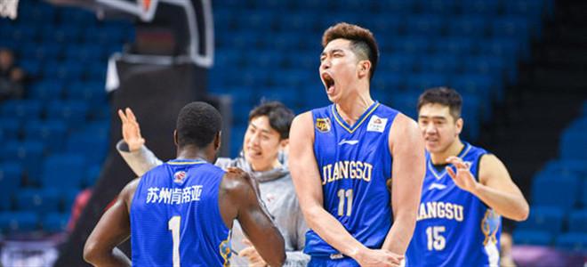 吴冠希怒拼18篮板创赛季新高