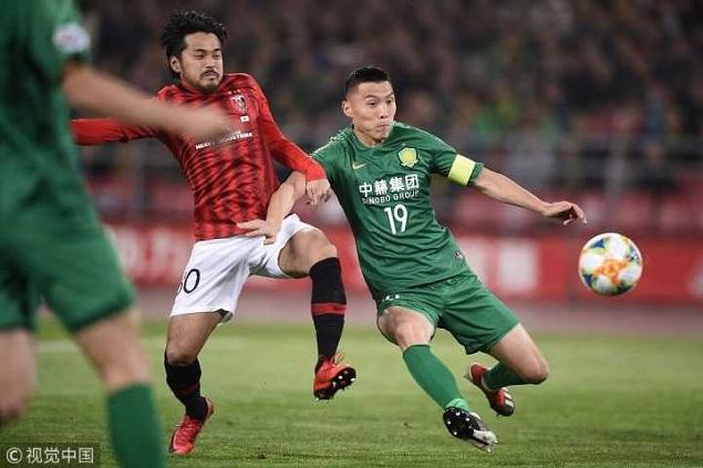 半场:巴坎布屡失良机槙野智章逃过点球,国安0-0浦和