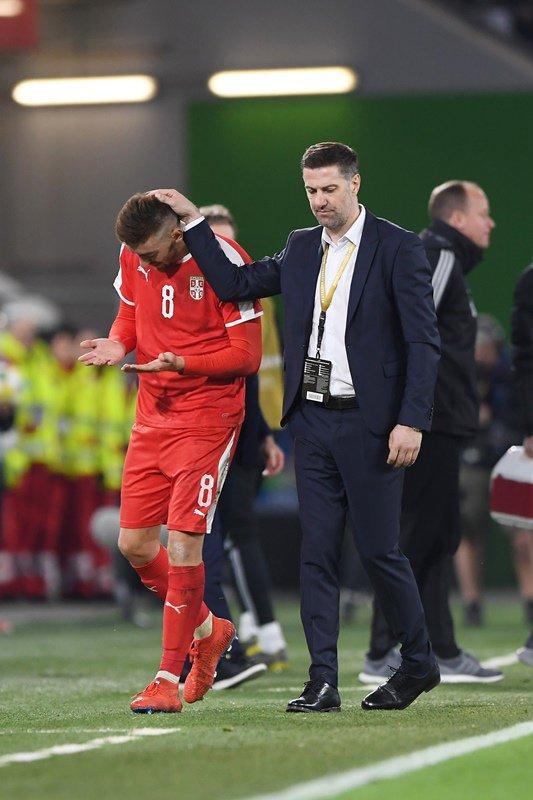 塞尔维亚主帅:踩萨内的球员并非故意,约维奇前途无量
