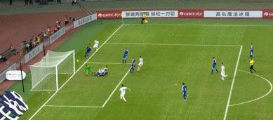GIF:斯图亚尼梅开二度,乌拉圭3-0领先