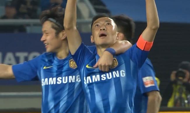 GIF:吴曦脚后跟补射破门,苏宁2-0领先卓尔