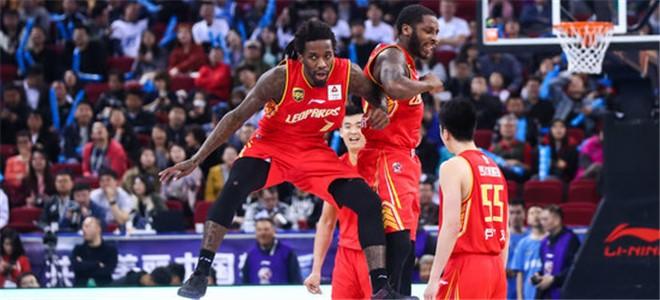 深圳成CBA历史上首支季后赛0-2落后扳平的球队
