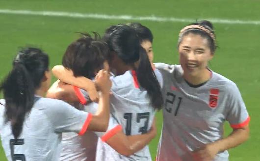 GIF:王珊珊替补头球破门,中国女足2-1俄罗斯