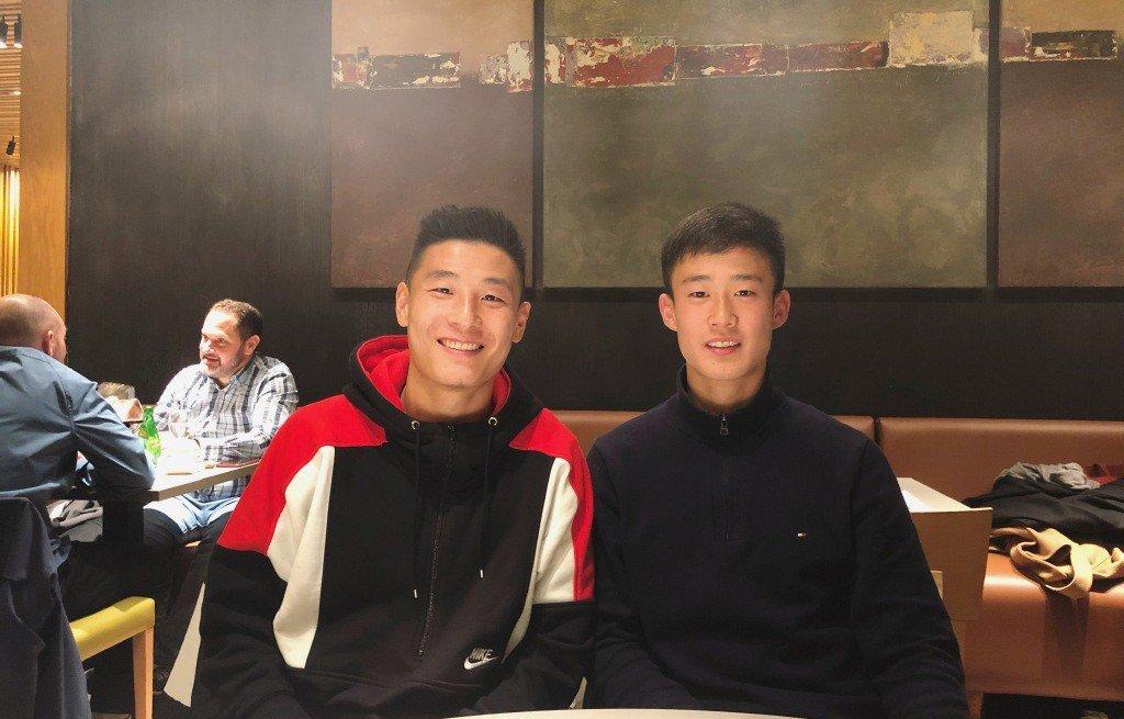 张奥凯:和武磊吃饭打机聊西语,西语笔记本都给他了