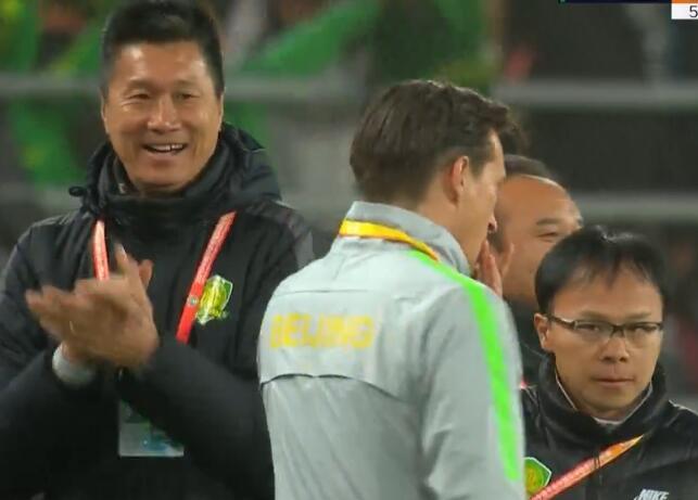GIF:VAR改判有效!巴坎布破门,国安2-0苏宁