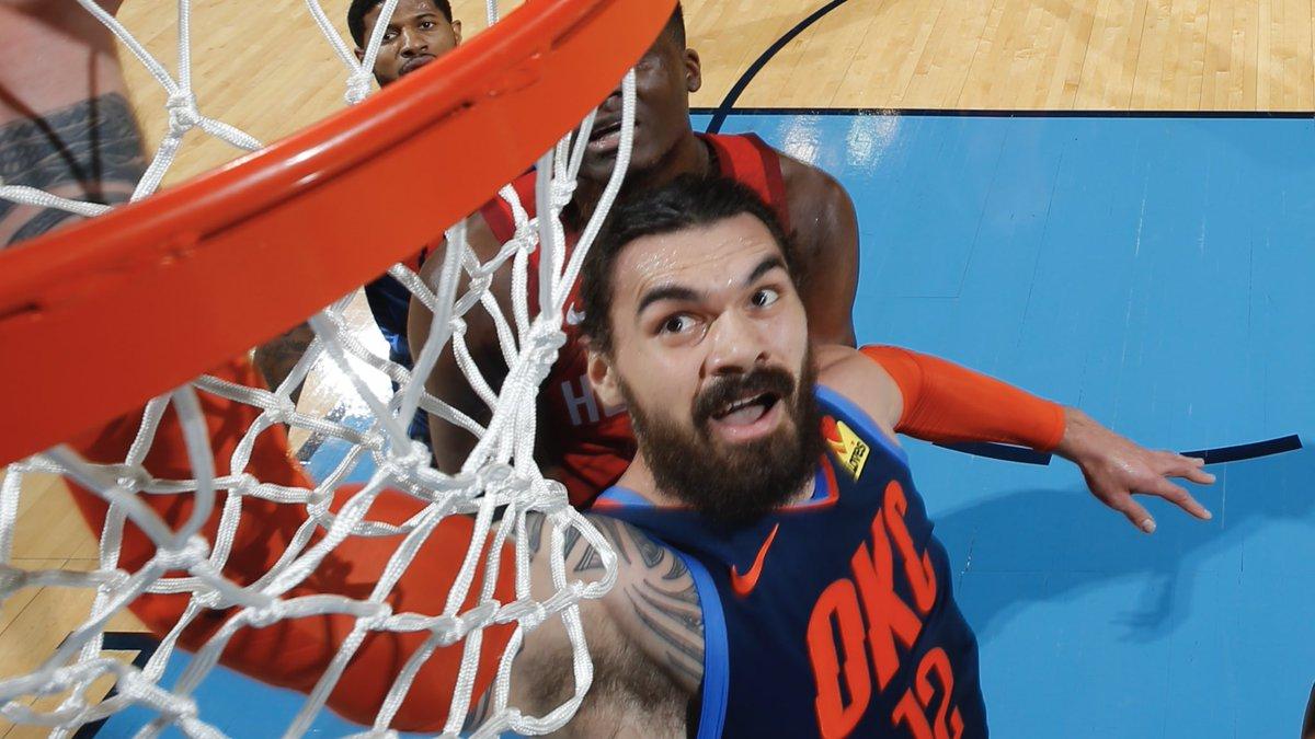 亚当斯首节9篮板平生涯单节篮板最高纪录