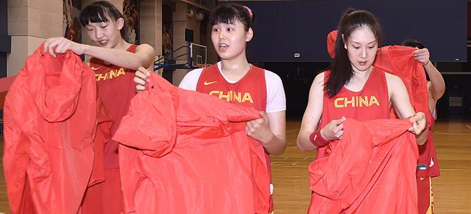 中国女篮双星被选中,WNBA球队发社媒欢迎