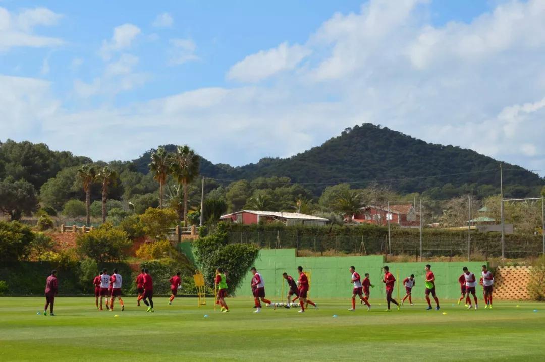 炎身赛:何朕宇2球,国青3-0终结西班牙拉练末战