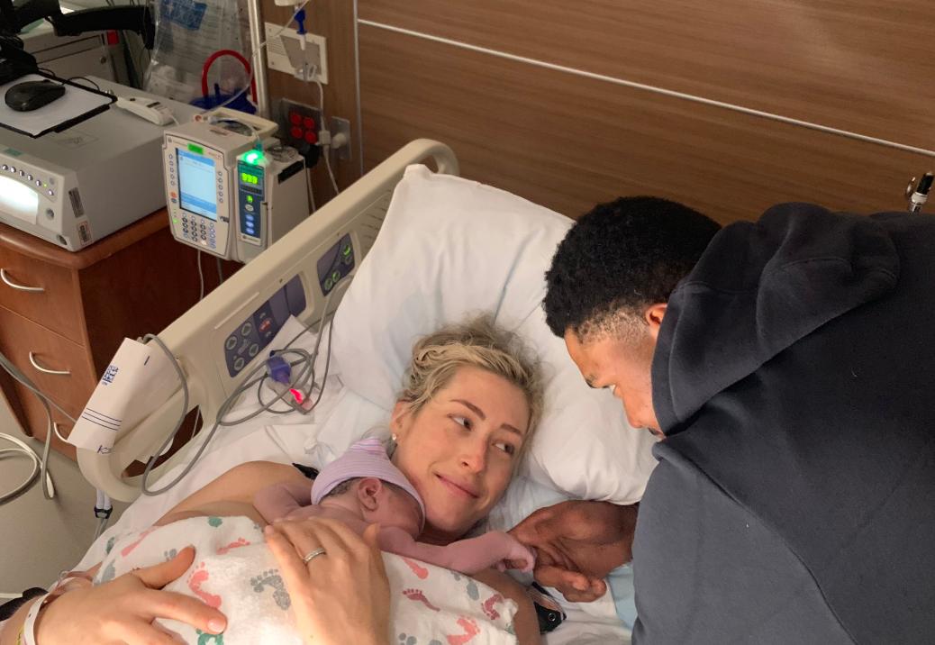 恭喜!肯特-贝兹莫尔公布自己儿子诞生的喜讯