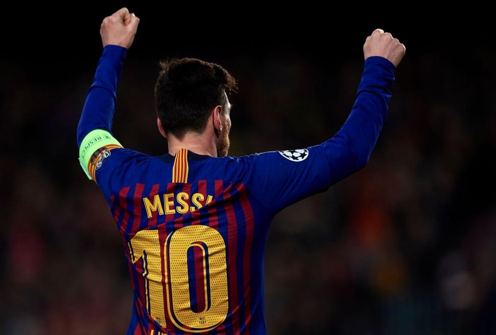 梅西本赛季欧冠已进12球,离生涯纪录只差两球