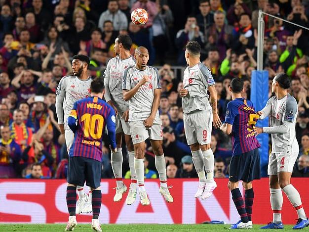 获得任意球前击打法比尼奥头部?红军球迷请求处罚梅西