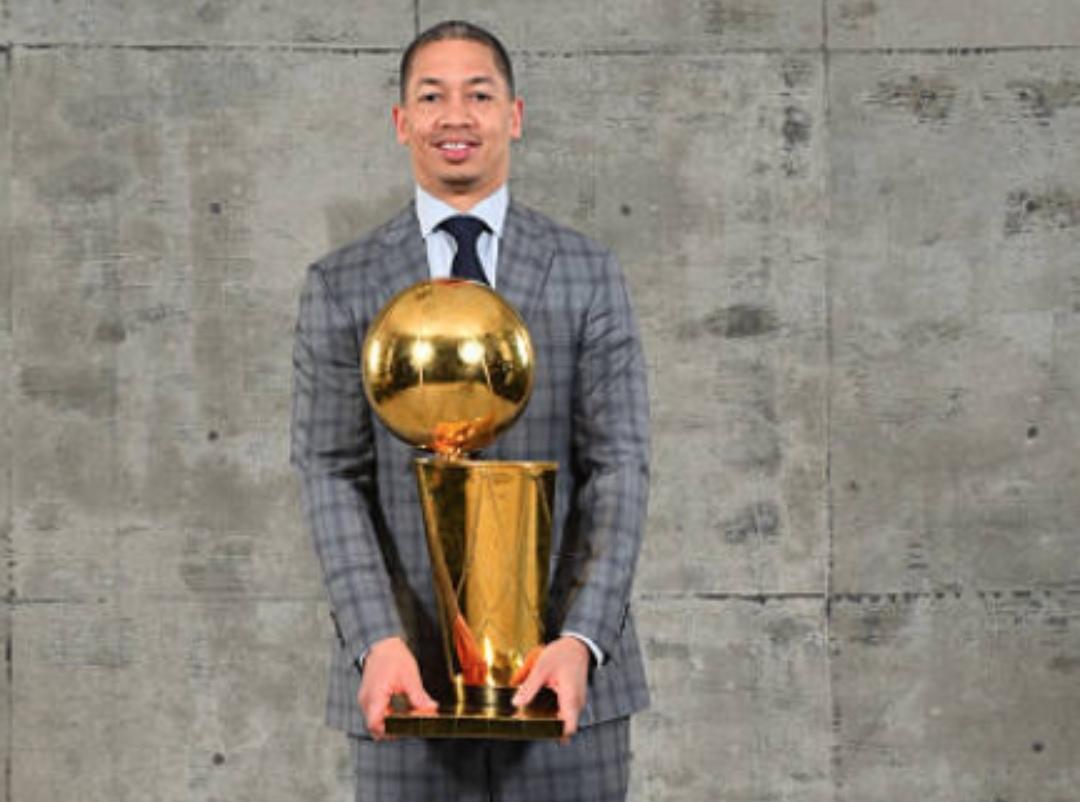 NBA官方祝泰伦-卢42岁生日快乐
