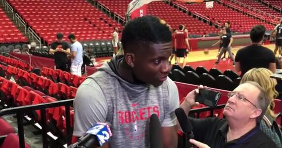 卡佩拉:我要抢下更多的篮板球,在篮下更努力落幕得分
