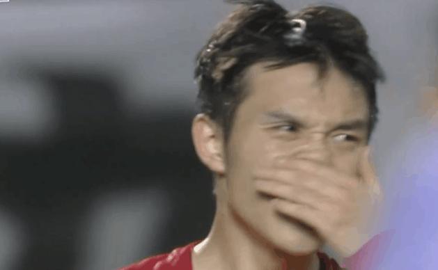 GIF:张修维中路劲射,广岛球员门线前飞身堵枪眼